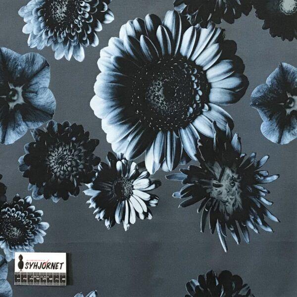 Bomuld med blåt blomsterprint Økotex 100