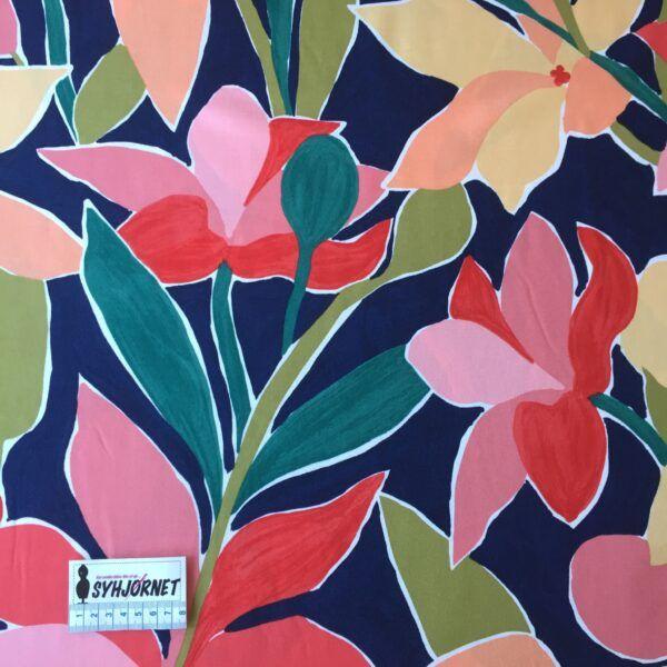 Flot vævet viskose med store farverige blomster