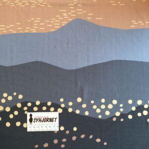 Isoli, french terry, rapport med bjerge i blålige og beige nuancer, økotex 100